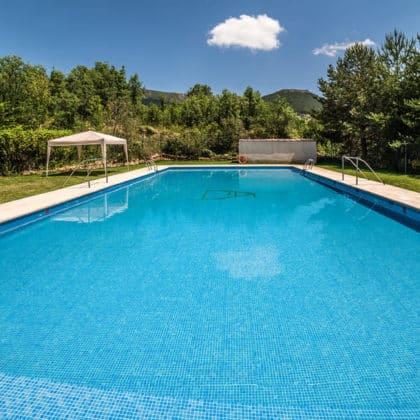 albergue-valle-abedules-piscina